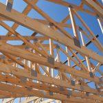 avantages-fermes-toit-bois-vs-acier